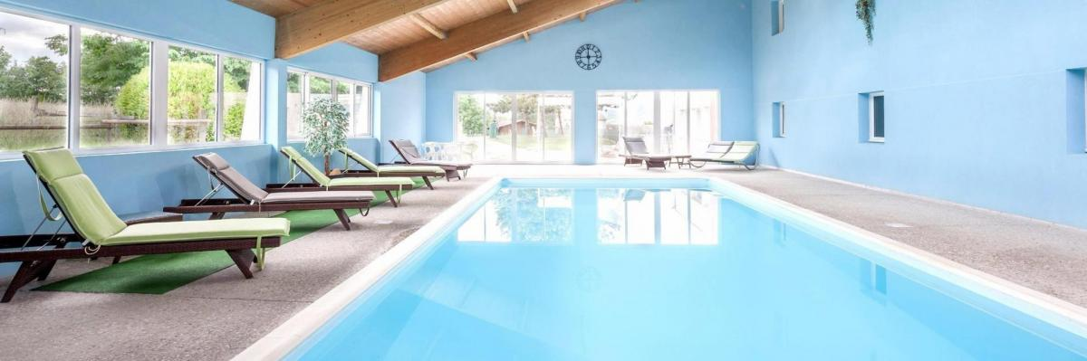 Hotel le chatard piscine sarcey 213166